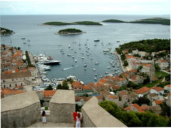 Panoramic view of Havar town harbour